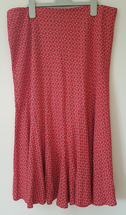 M&S. Red and white patterned skirt. Size 16.
