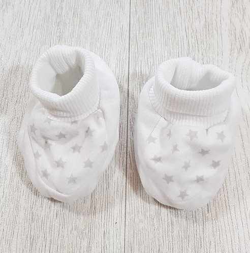 ◾M&S white star booties. 3-6months
