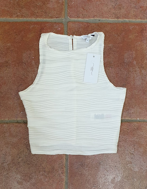 ⚘New Look white cropped top. Size 6 NWT