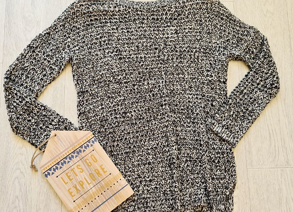 💜Divided by H&M black/white mix sweater. Size S