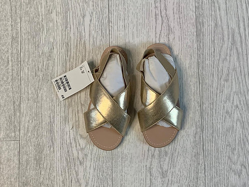 🌞H&M gold sandals. Junior 11.5 NWT
