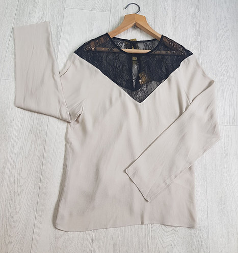 🔷️H&M nude lace shirt size 10 (NWT)