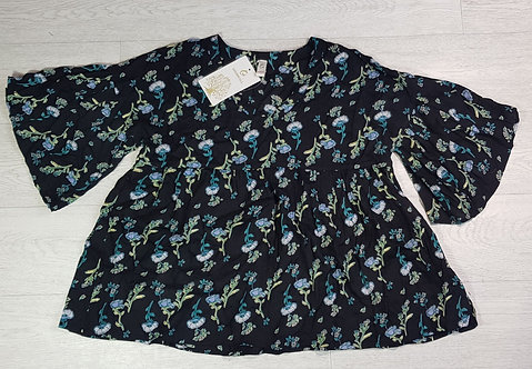 Goodwill black v-neck blouse. Size S
