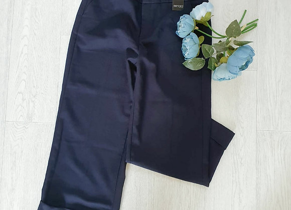 ○Esmara cropped leg trousers. Size 14 NWT