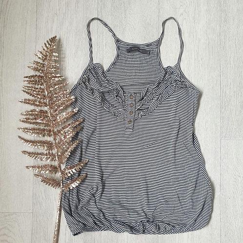 🧡River Island white/grey striped vest. Size 8