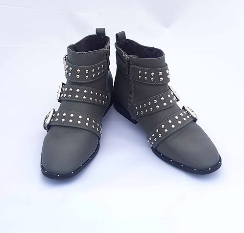 PRIMARK Grey studed ankle boots. Size 4
