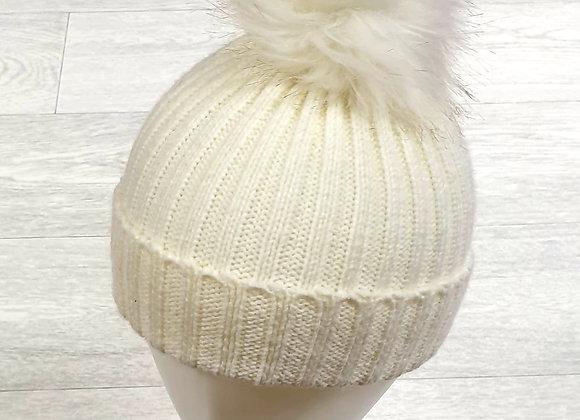 Primark cream bobble hat. 2-6yrs