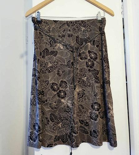 ⚫M&S leaf patterned skirt. Size 12