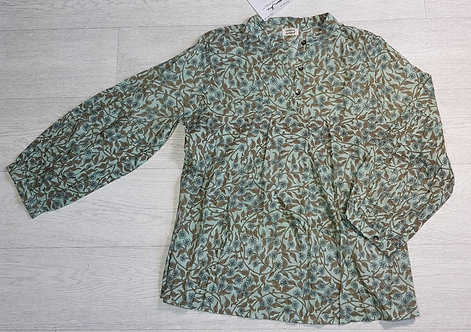 Indian Inc screen printed blouse. Size M