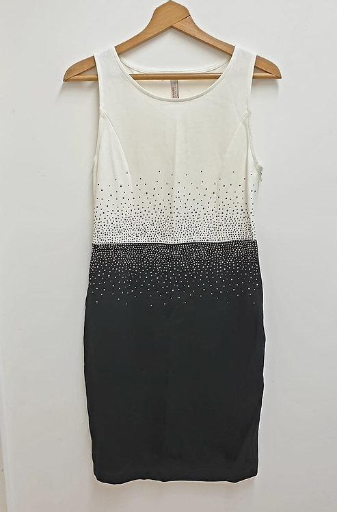 Body Flirt Boutique diamante dress. Euro 40