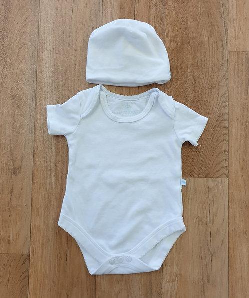 BabyBlooms white vest & hat. 0-6m