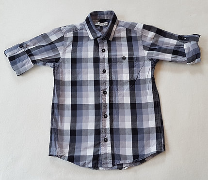 AUTOGRAPH. Grey and black checkered shirt. Size 6 years.