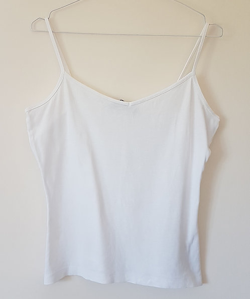 New Look. White vest top. Size M.