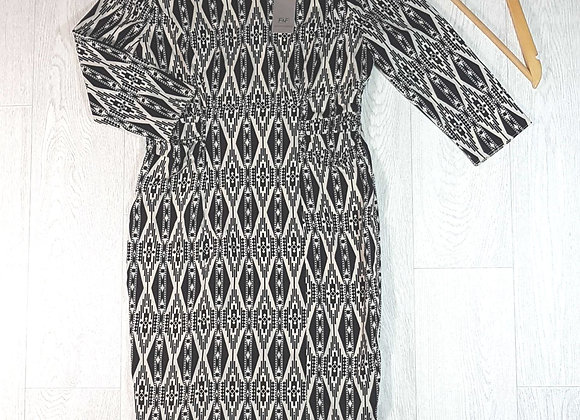 ◽F&F black/cream dress with cropped sleeves. Size 12.New with tags