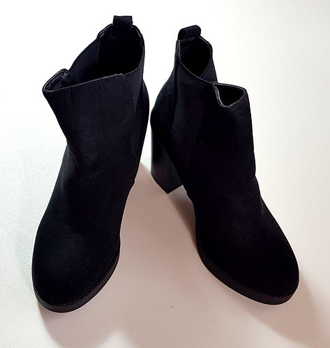 ATMOSPHERE black suede style ankle boots. Size 5/38 NWOT