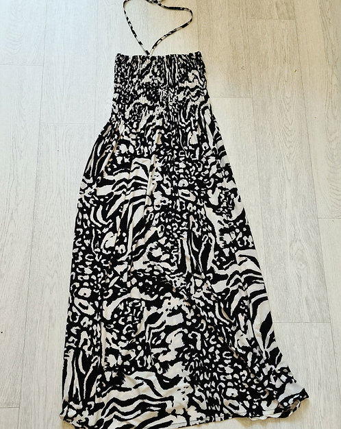💋Black & cream print halter neck maxi dress. Size 16