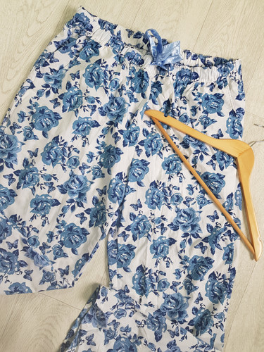 decb553597a   Matalan blue floral 100% cotton pyjama bottoms size 16/18