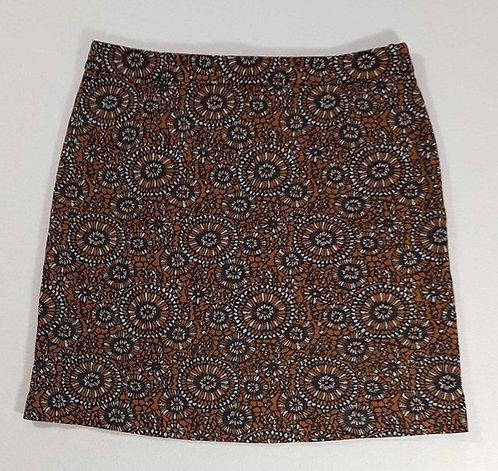 ◾Tu patterned skirt. Size 10