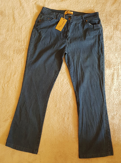 In Denim Blue bootcut jeans size 18 NWT