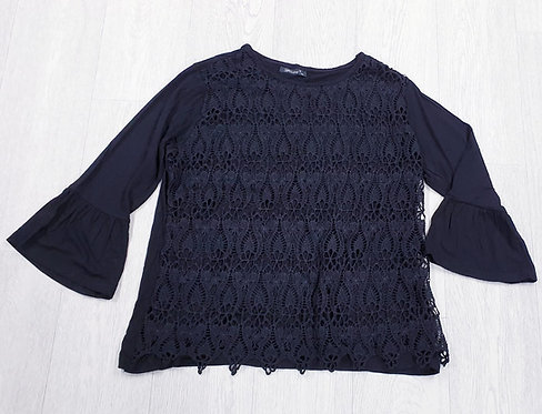 Black flared sleeve top. Size M/L