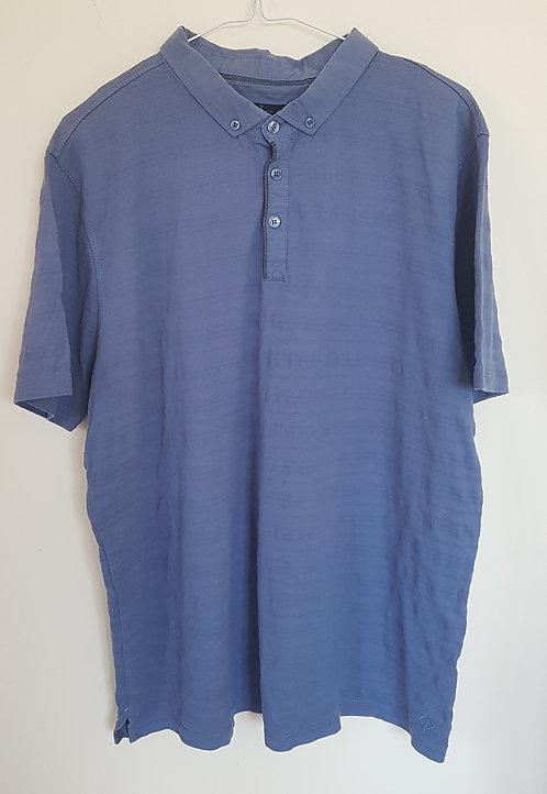 JASPER CONRAN. Blue short sleeve shirt with collar. Size XL.