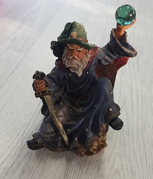 ◽Wizard ornament with orb