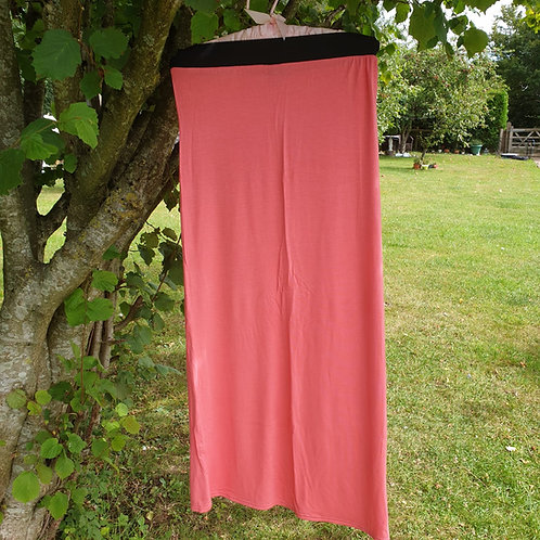 🌼In Style coral maxi skirt. Size S/M