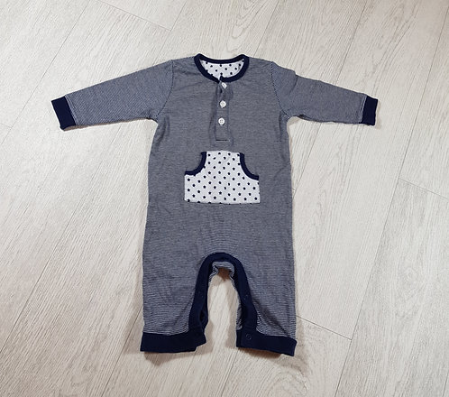 🐠M&S boys navy star onesie with white buttons size 3-6 months