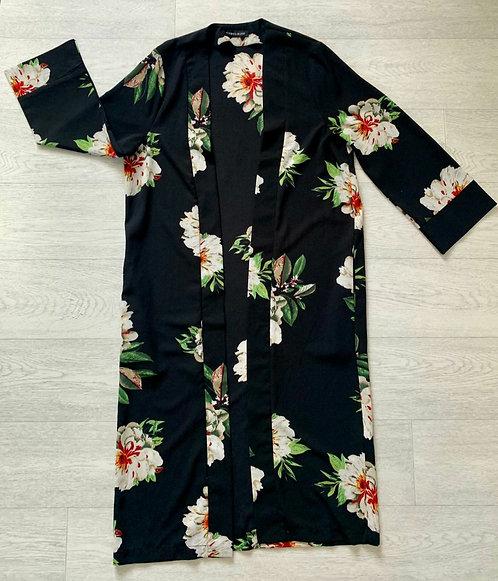 🌗Cameo Rose house coat. Size 8