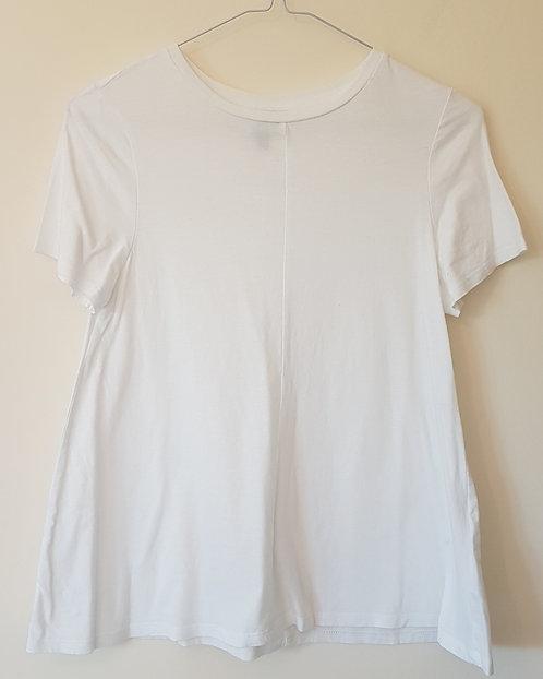 ASOS. White top. Size 6.