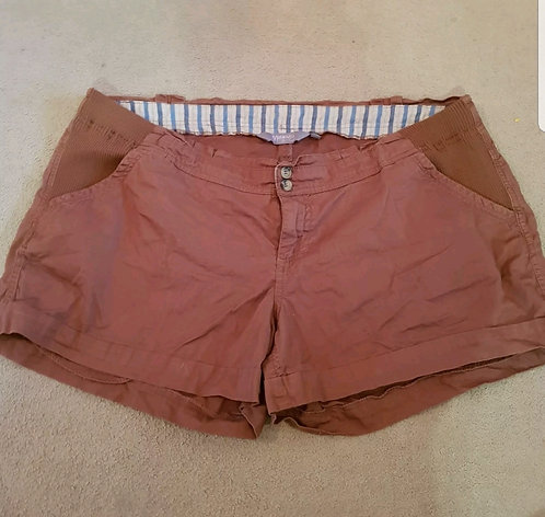 New Look maternity brown shorts. Size 18.