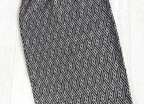 BERSHKA Black and white pencil skirt. Size L (Mex 30)