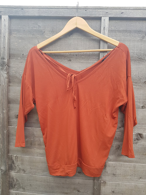 🔷️Boohoo orange rust top size 10 (NWT)