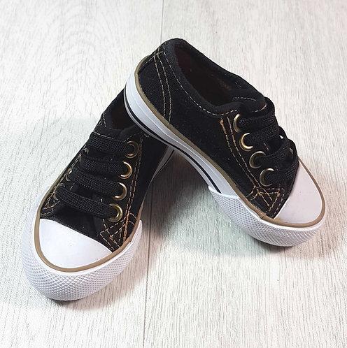 ◽Tu black canvas shoes with gold trim. Size 4