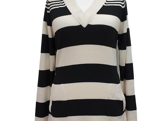 AE Elegance v-neck sweater. Uk 14