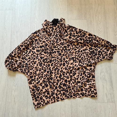 💋Primark animal print blouse with tie neck. Size 10 NWT