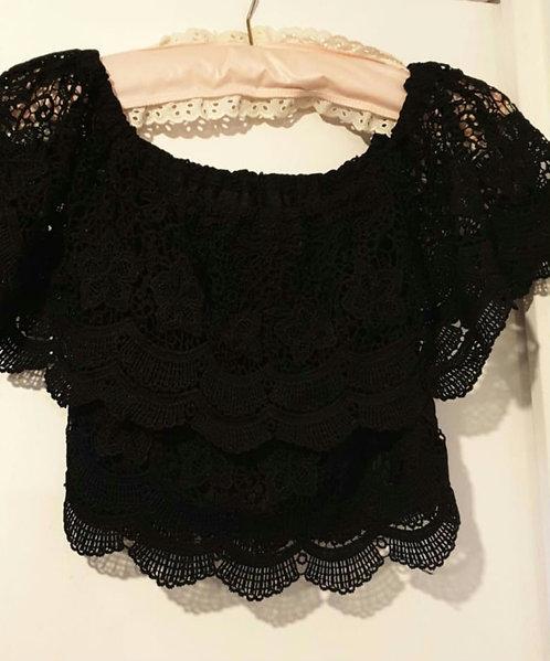🌼Boohoo black off shoulder top. Size 8