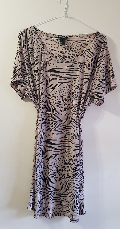 H&M. Animal print long top with tie waist. Size M.