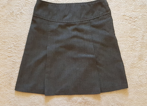 BACK TO SCHOOL Grey pleated skirt. 6-7yrs