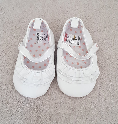 NEXT White soft baby shoes with ruffles and velcro strap. Size 1 3-6m