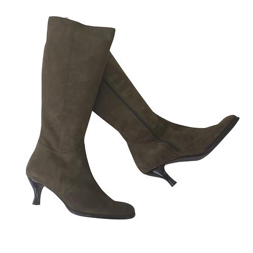 Artigiano olive suede boots. Eu 42 NWT