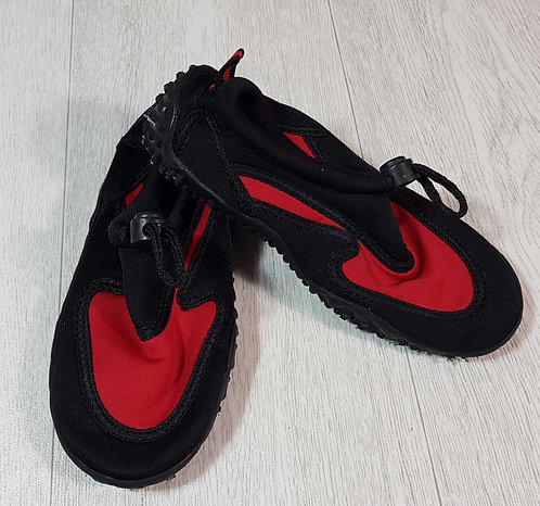 ◾Water shoes with toggle adjuster. Size 11