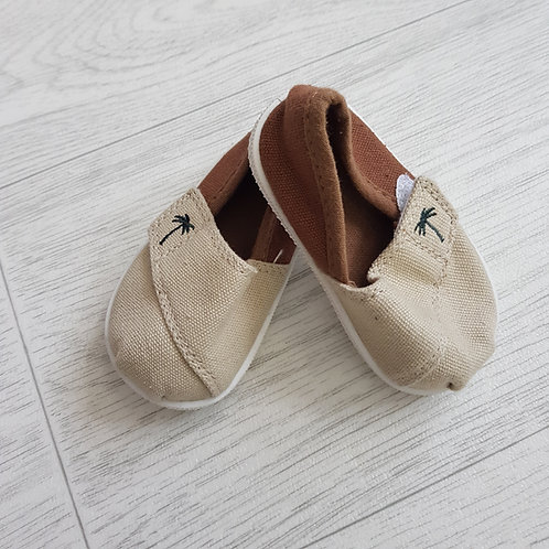 Brown canvas boat shoes. 3-6m NWOT