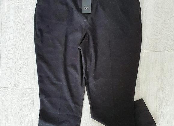 ○F&F black slim ankle grazers. Size 14 NWT