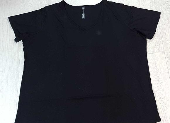 Evans black v neck t-shirt. 26/28