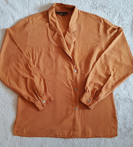 Episode By Carolyn White Freeman. 100% silk brown shirt. Size 8.
