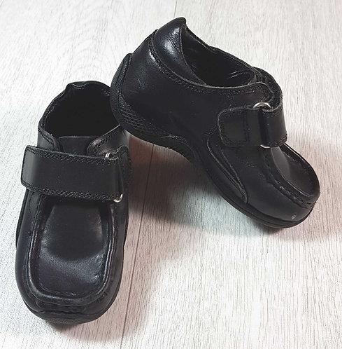 ◽black velcro school shoes. Size 5