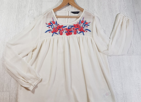 🚩Dorothy Perkins cream chiffon blouse with flower embroidery detail