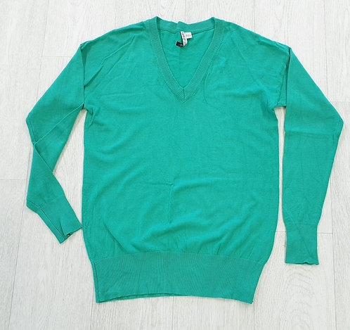 Capsule green v-neck sweater. Uk 8-10