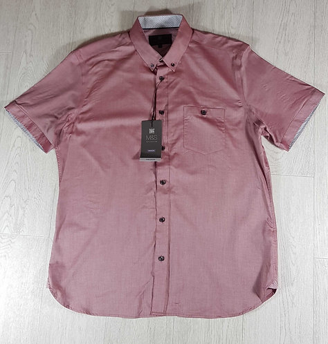 ◾M&S tailored fit short sleeved shirt. Size L